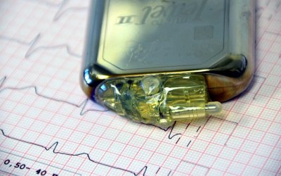 Keep iPhone 12 and MagSafe Accessories Away from Pacemakers